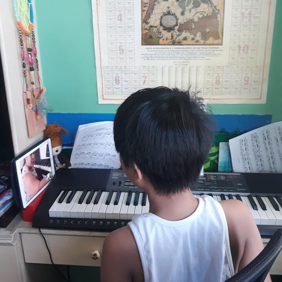 online piano lesson with teacher Cel